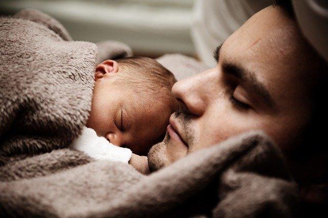 Baby Spa Makin Populer, Berbahaya atau Bermanfaat Bagi Bayi?