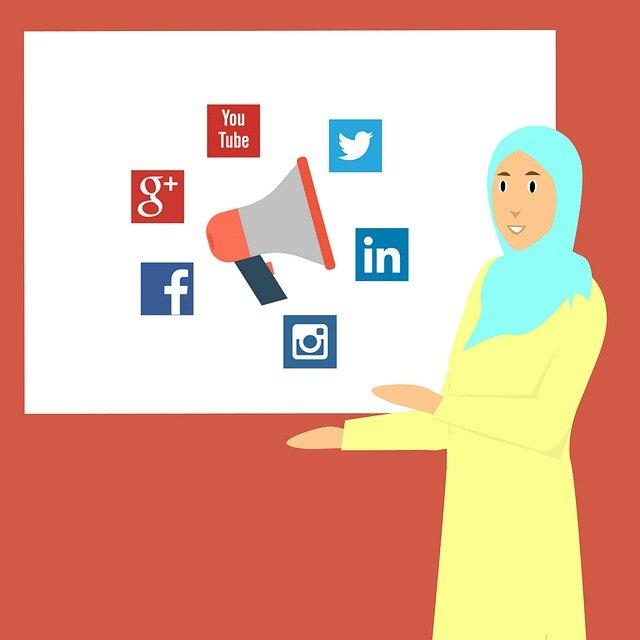Tips Agar Jilbab Tidak Mleyot