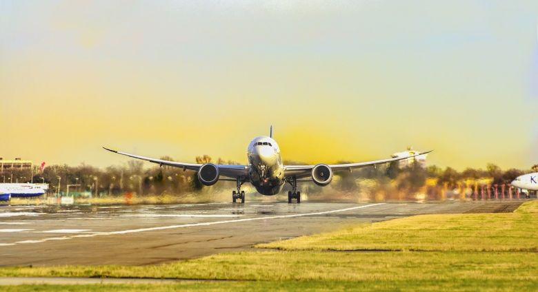 """Cara """"Cerdas"""" Mendapatkan Tiket Pesawat Murah ke Belanda"""
